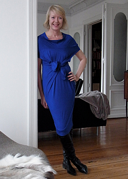 Schwarz blaues kleid bild zeitung